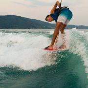 Mesle Teller Splash Disc rot, Actionbild Wakesurfing