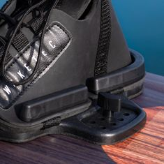 Mesle Waketec Wakeboard Bindings Onset with M6 Screws and 8 inch hole pattern, for beginners, black, product image